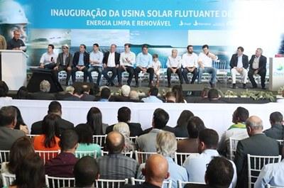 Solenidade de inauguração da primeira etapa da Usina Solar Flutuante do lago de Sobradinho. Crédito da foto: Divulgação/MME
