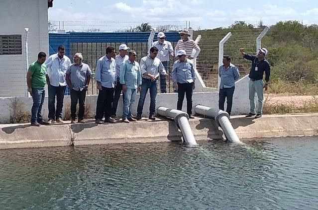 Diretor-presidente da Codevasf acompanha obras do Canal do Sertão Alagoano
