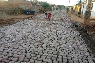 Codevasf beneficia cinco municípios na região de Irecê (BA) com serviços de pavimentação 2.jpg