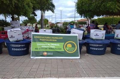 Codevasf fornece kits de irrigação para agricultores familiares no Piauí