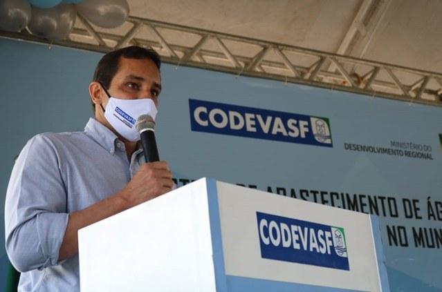 Ministro do Desenvolvimento Regional e presidente da Codevasf entregam obras de abastecimento de água no sertão de Alagoas 3.jpg