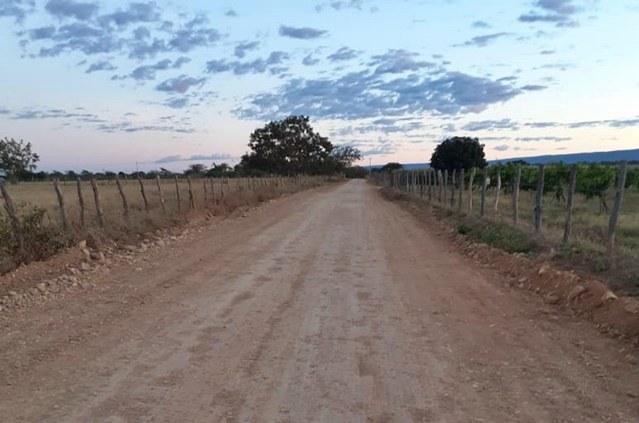 Recuperação de estradas no projeto Estreito beneficia produtores e moradores da região de Urandi (BA)