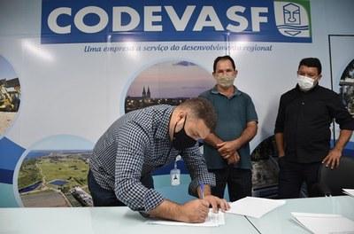 anuncio pavimentacao entregas - codevasf 4sr (2).JPG