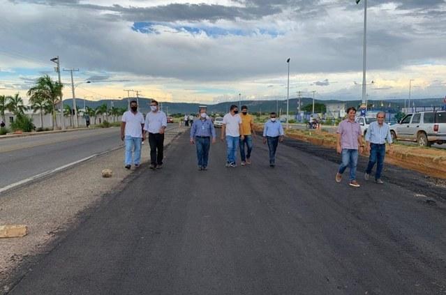 Codevasf autoriza início da pavimentação asfáltica da estrada que liga o projeto Ceraíma ao distrito de Morrinhos, em Guanambi (BA) 3.jpg