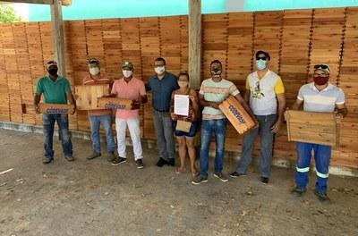 Codevasf estrutura produção apícola de associação em Serra do Ramalho (BA) 3.JPEG