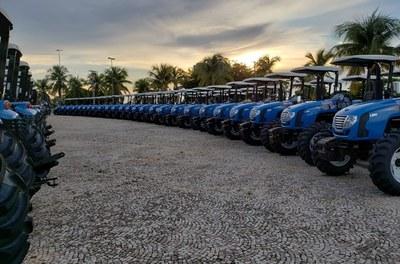 Codevasf realiza entregas de máquinas e equipamentos em Tocantins; investimentos são de R$ 16,4 milhões.jpeg