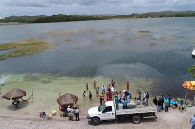 Codevasf realiza peixamento na Lagoa dos Tambaquis em Estância (SE).JPG