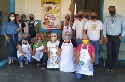 Produção de doces artesanais à base de banana e mel gera renda para mulheres no Norte de Minas 2.jpg